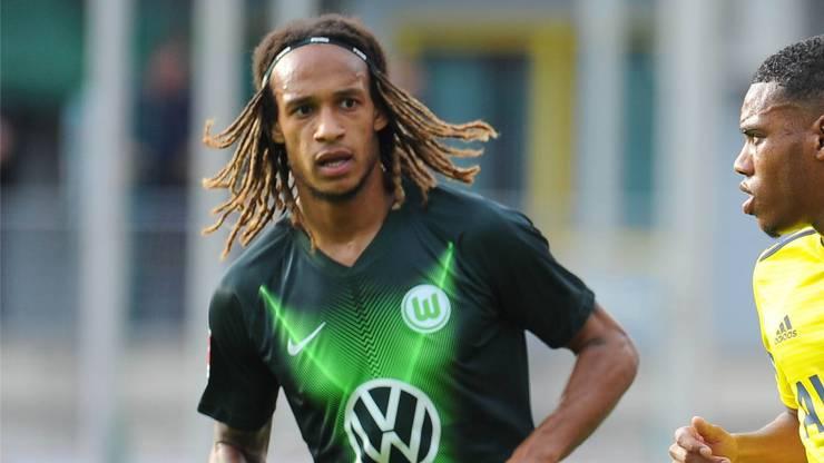 VfL Wolfsburg, 0/0 Geschenkt kriegt er den Platz auf der Aussenbahn nicht. Doch er beisst sich durch.
