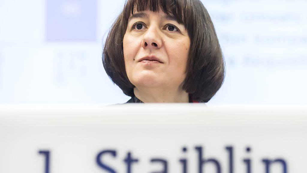 Alpiq-Chefin Jasmin Staiblin hat mit dem Verkauf wesentlicher Teile des Stromkonzerns genug zu tun. Deshalb verzichtet sie auf einen Sitz im Verwaltungsrat des Versicherungskonzerns Zurich. (Archiv)