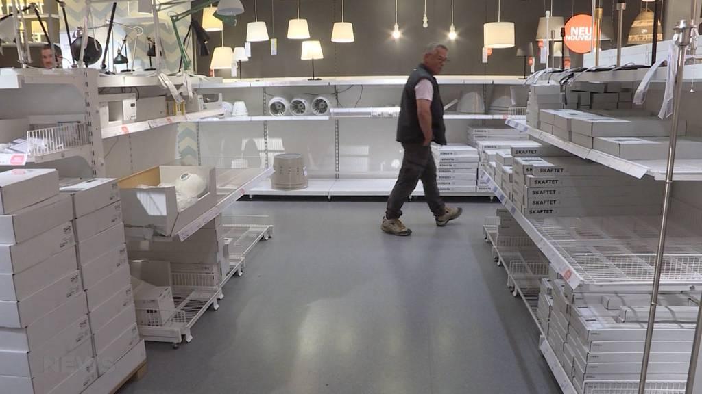 Grosser Ansturm: Leere Regale bei Ikea