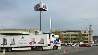 Der Hauptsitz der Mittelland Molkerei AG. Das Bürogebäude (hinten) ist nicht im Besitz von Emmi.