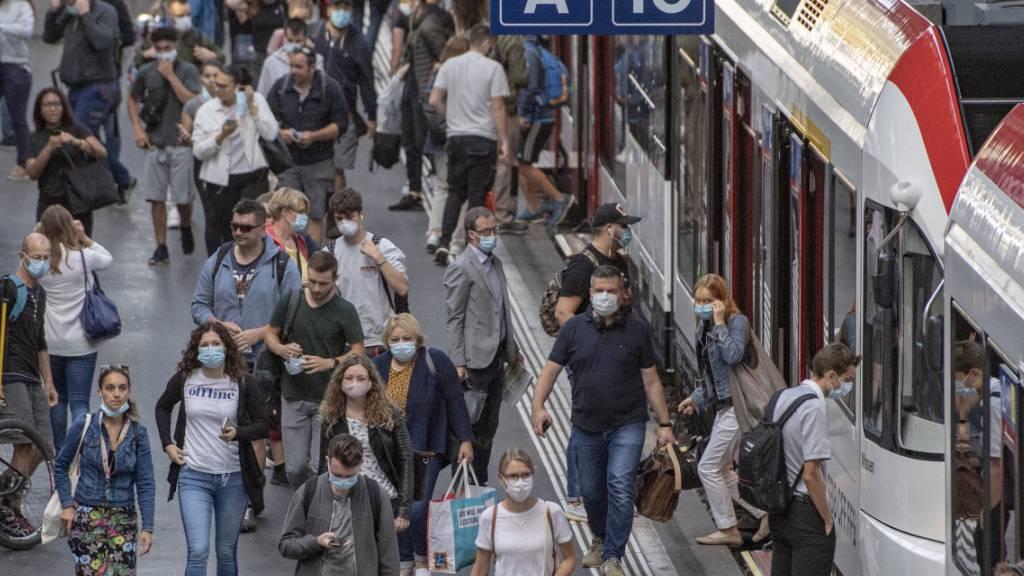 Hoher Zuspruch für Maskenpflicht in öffentlichen Räumen