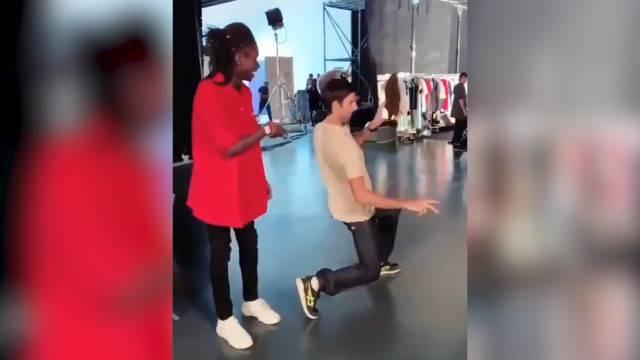 Tennis-Ass Djokovic begeistert mit heissen Dance Moves