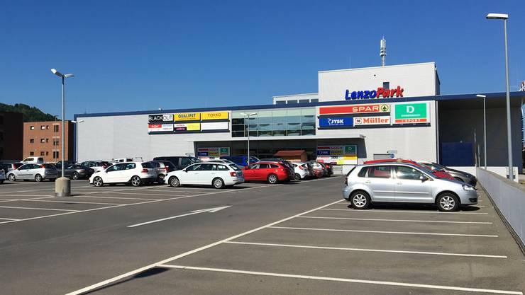 Geht es nach dem KGV, ist fertig mit Gratis-Parkieren auf dem Parkplatz beim Einkaufszentrum Lenzopark.
