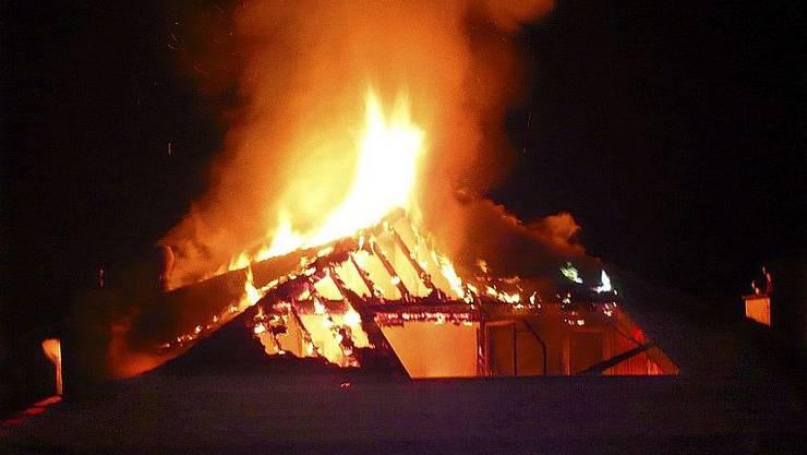 Bei einem Wohnungsbrand in der Stadt Zürich ist in der Nacht auf Samstag ein Mann ums Leben gekommen. (Symbolbild)