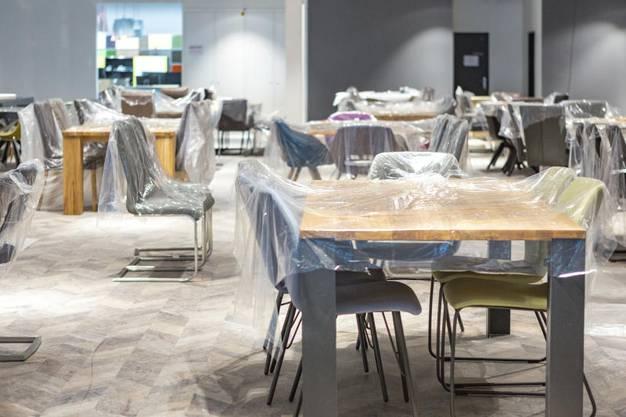 Möbel Pfister Nimmt Den Markteintritt Der Billigkette Xxxlutz