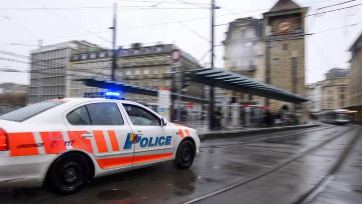 Die Kriminalpolizei fahndet mit Hochdruck nach dem mutmasslichen Täter im Familiendrama von Genf. (Symbolbild)