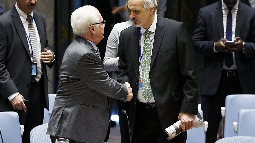 Russlands UNO-Botschafter Tschurkin (links) im Gespräch mit dem syrischen UNO-Botschafter Dschafari. (Archivbild)