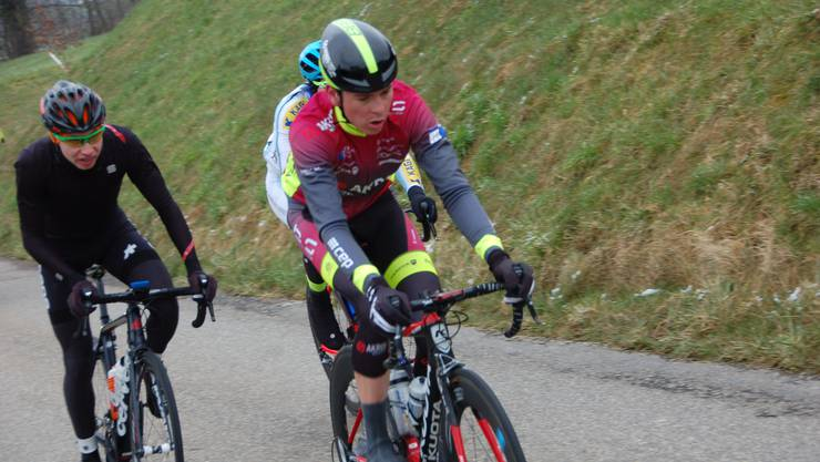 Der spätere Sieger Mauro Schmid führt das Spitzentrio an.