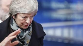 Die britische Premierministerin May muss sich heute einer Abstimmung über ihr Amt als Parteichefin und Premierministerin stellen. (Archivbild)