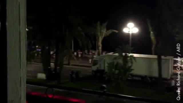 Anschlag in Nizza: Hier fährt der Lastwagen in die Menschenmenge