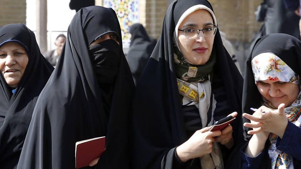 Wahltag in Shahr-e-Ray in der Provinz Teheran.