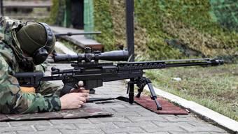 Made in Switzerland: Scharfschützengewehre des Typs APR 338 der Firma B&T wurden illegal exportiert. Nun ändert die Firma ihre Strategie.