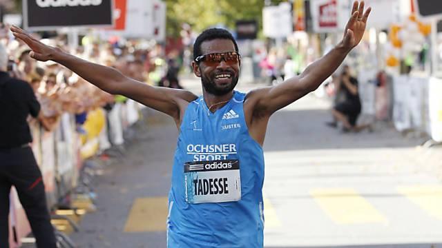 Abraham Tadesse gewinnt den 35. internationalen Greifenseelauf