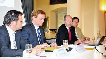 Krise Vier Chefs geben einen tieferen, individuellen Einblick: Walter Wirth, AEK Energie AG Solothurn, Adrian Flury, Arthur Flury AG Deitingen, Max Diggelmann, Stahl Gerlafingen AG, und Alex Naef, Carrosserie Hess AG Bellach (v. l. n. r.).