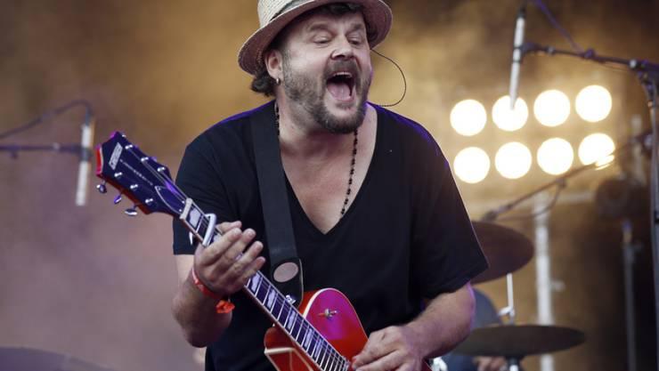 Yes! Büne Huber ist wieder Vater: Via Bandwebsite verriet der Patent-Ochsner-Sänger Name und Geburtstag seines Sohnes (Archiv).