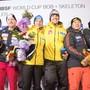 Vor kurzem noch Konkurrenten, jetzt im gleichen Team: Der Kölliker Rico Peter (2. von links) sowie der südkoreanische Bobpilot Yunjong Won (2. von rechts) und dessen Anschieber Youngwoo Seo (rechts).AP/Darryl Dyck