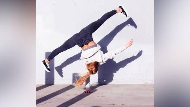 Australische Akrobatin begeistert das Netz