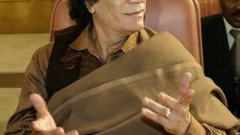 Die Welt gehört ihm - die Geiseln vorerst auch noch: Muanmar Ghaddafi.