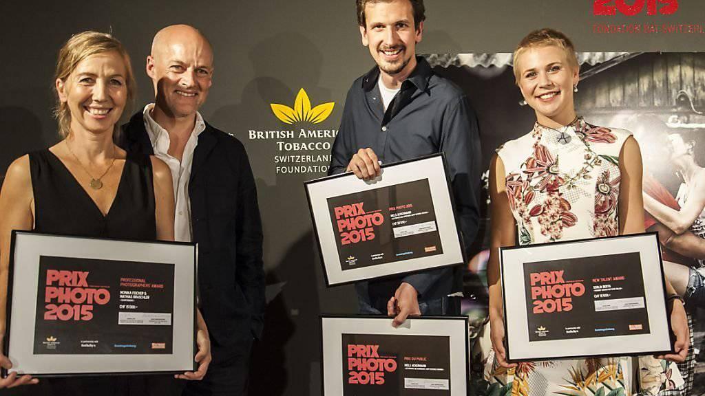 Die diesjährigen Prix-Photo-Preisträger: Monika Fischer, Mathias Braschler, Niels Ackermann und Sonja Berta (v.l.n.r.).