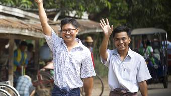 Nach mehr als 500 Tagen im Gefängnis hat Myanmar am Dienstag zwei Reporter der Nachrichtenagentur Reuters freigelassen - Wa Lone (links) und Kyaw Soe Oo (rechts) waren zu sieben Jahren Haft verurteilt worden.