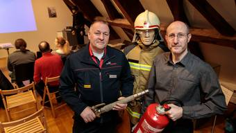 Feuerwehrkommandant Thomas Maritz (l.) und der Referent des Abends Aron Müller.