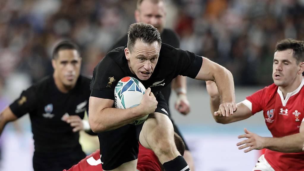 Neuseeland - hier mit Ben Smith am Ball - war Wales im Spiel um Platz 3 überlegen