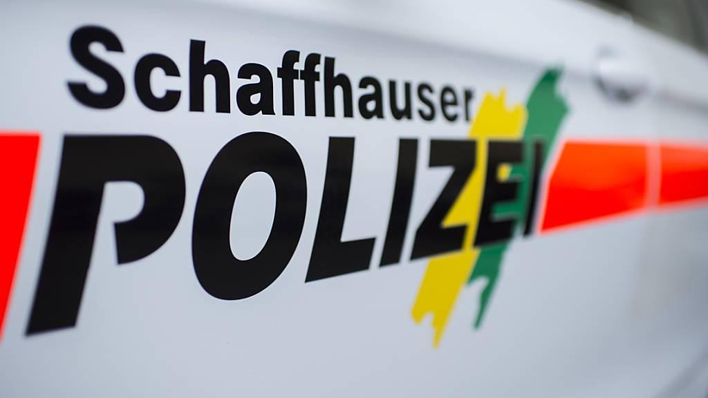 Die Schaffhauser Polizei nahm einem Fahrschüler nach einem Unfall den Lernfahrausweis ab. (Symbolbild)