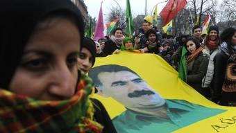 Demonstration in Paris: Der inhaftierte Öcalan gilt bei den meisten Kurden weiter als Hoffnungträger (Archiv)