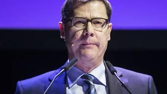 Holte in den zwei ersten Wahlgängen am wenigsten Stimmen und schied aus: Ludwig Peyer.