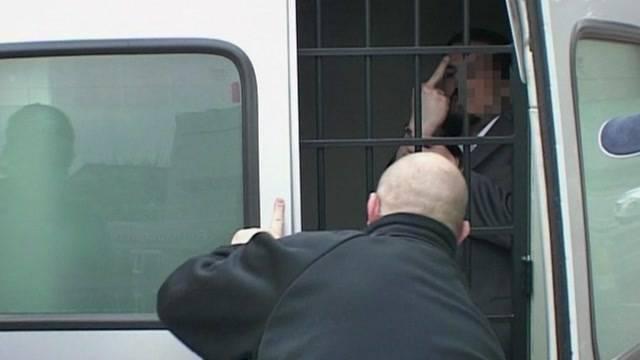 Ausgeschaffter Kosovare überfällt Denner