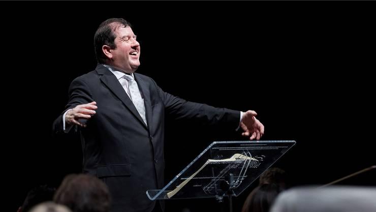 Dirigent Ivor Bolton zeigte hat auch komödiantisches Talent. Benno Hunziker
