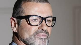 Lässt sich angeblich seit Monaten in einer Zürcher-Luxusklinik therapieren: der britische Sänger George Michael (Archiv)