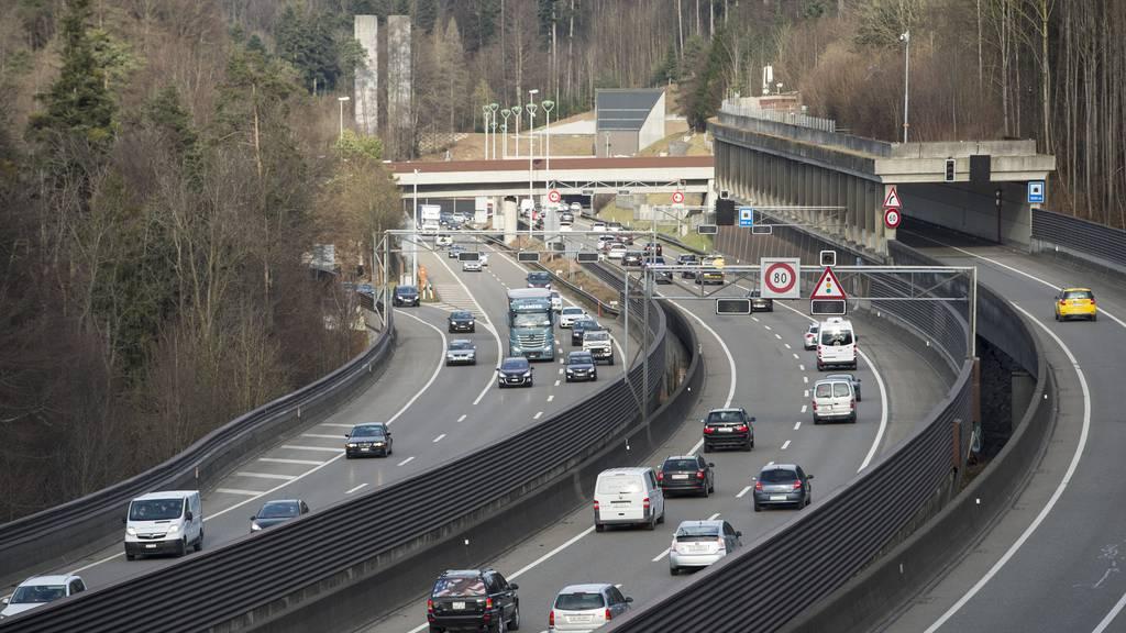 Der Abschnitt zwischen Winkeln und Neudorf ist mit mehreren Tunnels und Kunstbauten sehr komplex.