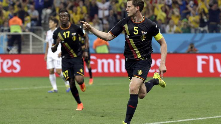 Jan Vertonghen trifft zum 1:0 für Belgien - in Unterzahl