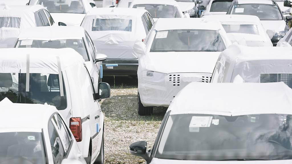 Im langjährigen Durchschnitt waren die Verkäufe von Neuwagen im April weiterhin tief. (Archivbild)
