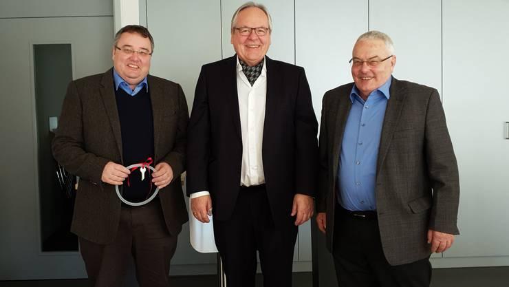 Michael Brändli, Walter Herzog und Emil Brändli bei der Firmenübergabe
