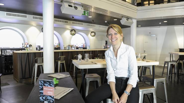 Geschäftsleiterin Claudia Danusser eröffnet das Atlantis neu.