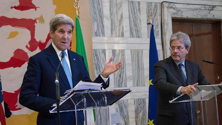 Kerry und Gentiloni leiteten das Treffen gemeinsam. Kerry machte den syrischen Machthaber Baschar al-Assad für die Ausbreitung der IS-Miliz in der Region massgeblich verantwortlich.