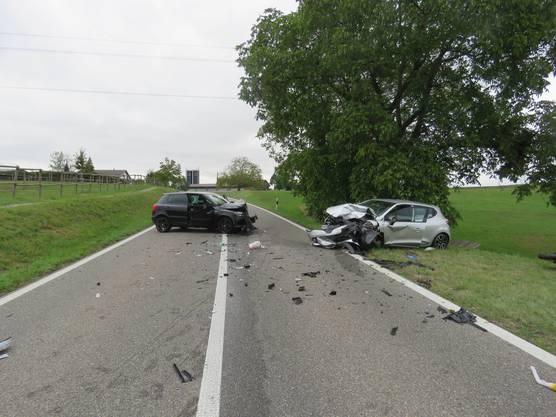 Die Tegerfelderstrasse war nach dem Unfall bis 19 Uhr gesperrt. Die Kantonspolizei Aargau hat Ermittlungen aufgenommen.