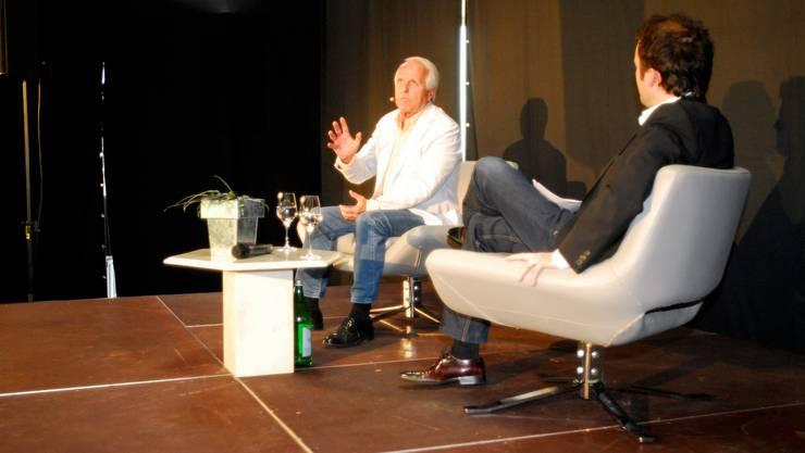 Schauspieler Walter Andreas Müller im Gespräch mit Moderator Joel Gilgen