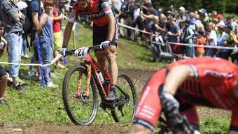 Reto Indergand (links) ist als achter Männer-Einzelfahrer für die Heim-WM im Cross-Country-Rennen selektioniert worden