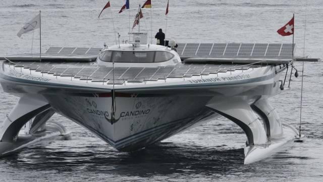 Die MS Turanor PlanetSolar nach ihrer Ankunft in Monace (Archiv)