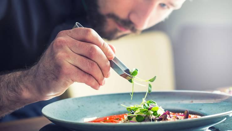 Die Gastrobranche hat mit immer weniger Lernenden zu kämpfen. (Symbolbild)