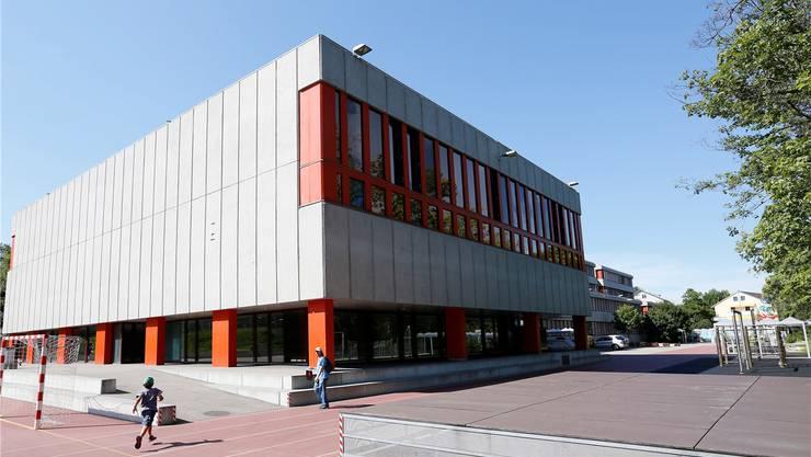 Die Sanierung des Schulhauses Burggarten kostet erneut mehr Geld. Grund sind zusätzliche Sicherungsmassnahmen.