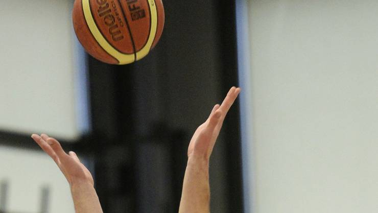 Bald duellieren sich die Spieler der höchsten Schweizer Basketball-Liga wieder in der Meisterschaft.