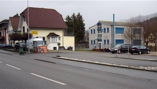 Im leicht zurückversetzten Haus mit den blauen Storen, an der Lindenallee 23, wird das Rettungsteam ab Februar stationiert sein. Peter Wetzel