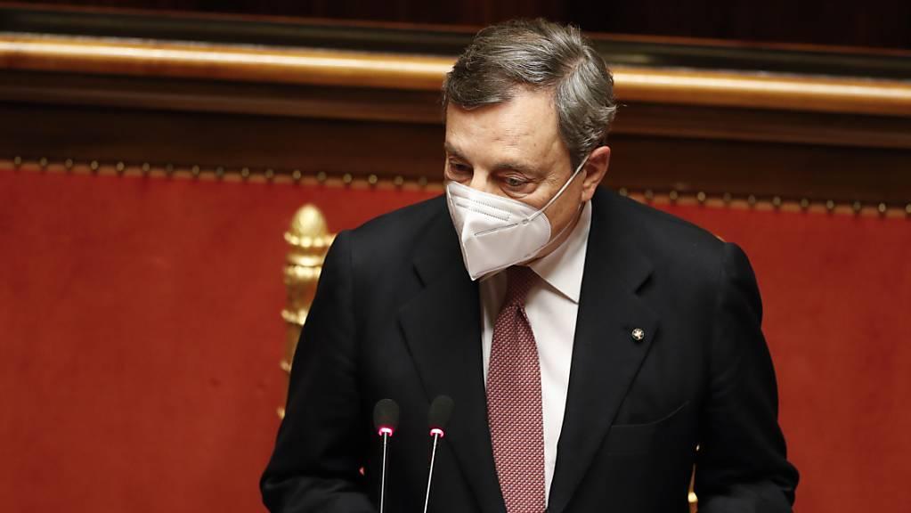 Mario Draghi, Ministerpräsident von Italien, spricht vor dem Senat in Rom. Foto: Yara Nardi/Reuters Pool/AP/dpa