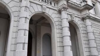 Am zweiten Verhandlungstag des Strafprozesses gegen Rolf M. und Karin L. standen die Plädoyers auf dem Programm. Die Urteilsverkündung wird am Donnerstag um 14 Uhr erfolgen.