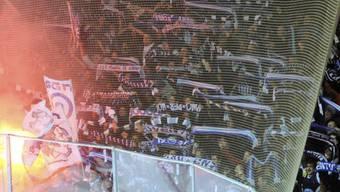 Fans beim Tessiner Hockey-Derby zwischen Abmri und Lugano. Nach der Partie vom Dienstag kam es zu Schlägerei.