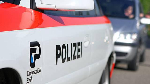 Die Kantonspolizei Zürich zieht Raser aus dem Verkehr (Archiv)